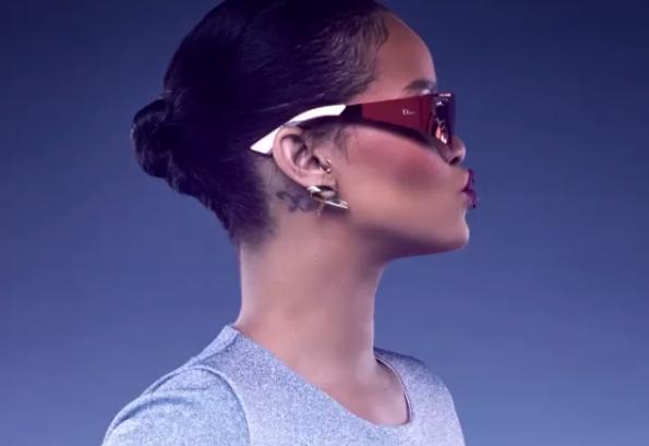 Star La Trek Sua Collezione Occhiali RihannaIspirata Per Di Da rCxdoeB