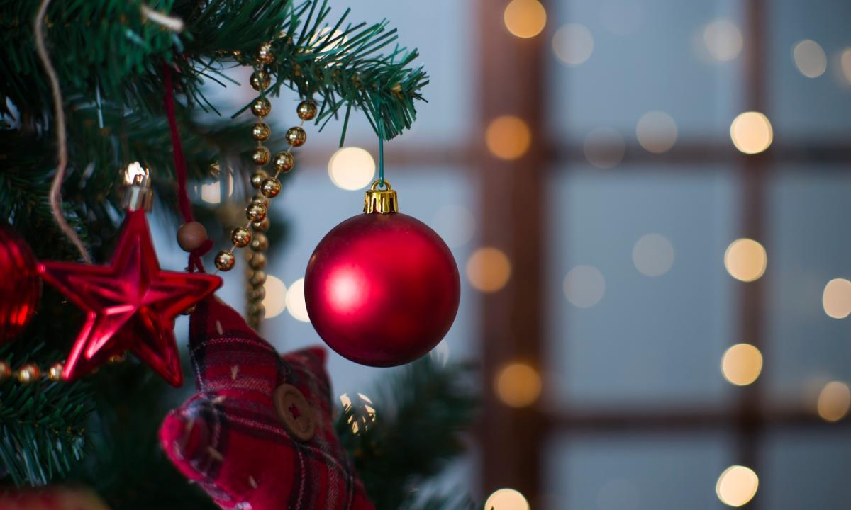 Albero Di Natale 2020 Trackidsp 006.Natale 2020 In Anticipo Addobbare L Albero Durante Il Lockdown E Il Nuovo Trend Social Radio 105