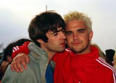 """Robbie Williams: """"Io e Liam Gallagher assieme? Il mondo impazzirebbe!"""""""