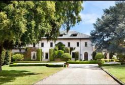 Elon Musk vende la mega villa in California e va a vivere in affitto