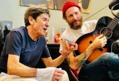 """Jovanotti annuncia il nuovo brano cantato da """"King Gianni Morandi"""""""