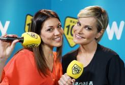 Simona Ventura con Ylenia nel backstage di Amici 17