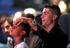 """Ronaldo ha portato il figlio a vedere dove viveva da giovane: """"Pensava scherzassi"""""""
