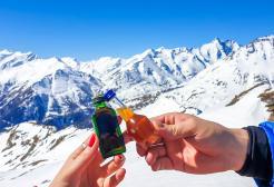 Vietato sciare ubriachi: divieto di alcol e stupefacenti sulle piste da sci dal 2024