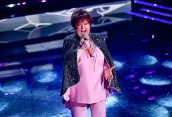 Orietta Berti canta 'Zitti e Buoni' dei Maneskin