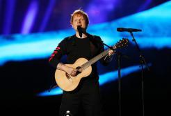 """Ed Sheeran ha il Covid: """"Ho fatto il vaccino, senza starei ancora peggio"""""""