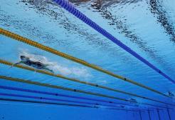 Dopo i pub in UK riaprono anche le piscine