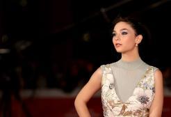 Matilda De Angelis una bomba di talento e carisma sull'Ariston