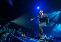 Marco Mengoni è tornato e canterà negli stadi