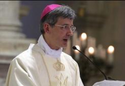 Il parroco annuncia a termine della messa: Voglio vivere il mio amore