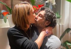 Tra Fabrizio Corona e Asia Argento è di nuovo amore? La foto del bacio