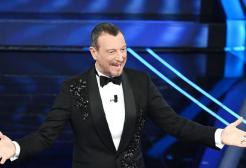 """Sanremo '21, Amadeus: """"O il Festival si fa a marzo con il pubblico o salta del tutto"""""""