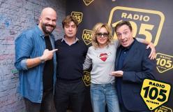 Scorri le foto dell'intervista di Valeria Golino e Riccardo Scamarcio a 105 Friends