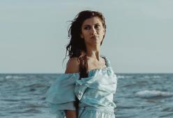 Elisa: dal 1 giugno arriva in radio la cover di Mare Mare di Luca Carboni