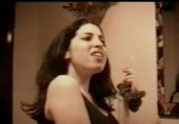 "Amy Winehouse 14enne  canta ""Happy Birthday"", il video."