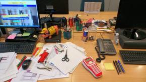 Scrivania in ordine o scrivania in disordine... Questo è il dilemma.