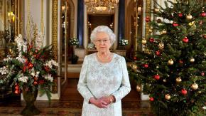 Ecco cosa regala a Natale la Regina Elisabetta alla famiglia e allo staff reale