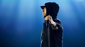 """Eminem attacca i poliziotti americani con il nuovo singolo """"Untouchable"""""""
