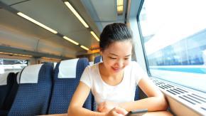 """Cina: sarà il """"punteggio social"""" a stabilire se puoi viaggiare sui treni o no"""