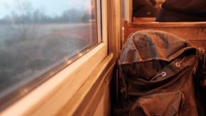 Perde in treno lo zaino contenente un chilo di marijuana: denuncia la scomparsa e viene arrestato