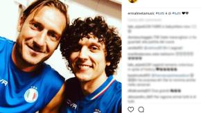 Il selfie di Ermal Meta con Francesco Totti