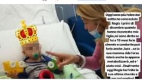 """Elena Santarelli felice perché un bambino ha finito la chemio: """"Questo giorno arriverà anche per noi"""""""