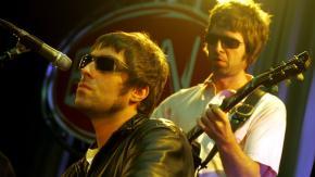 """Oasis: l'appello di Liam a Noel, """"rimettiamo insieme la band, pago io da bere"""". Tutte le info"""