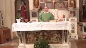 La canzone di Mahmood cantata in chiesa dai ragazzi del coro, il video