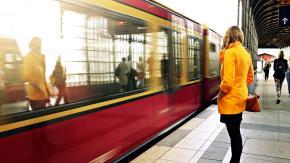 A Berlino il metrò costa il 21% in meno per le donne, come la differenza di salario con gli uomini