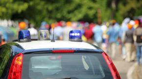 Gioco mortale a Cremona: ragazzini si sdraiano sulla strada di notte