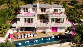 La casa di Barbie a Malibù apre le porte per un soggiorno da sogno
