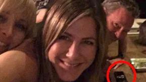 È cocaina quella che si vede nel selfie di Jennifer Aniston su Instagram?