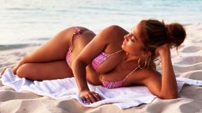 Jennifer Lopez a 51 anni è ancora la più bella: questa foto in bikini lo dimostra