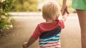 Viminale: consentita la camminata genitore-figlio, ma no jogging