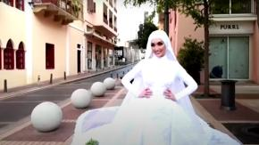 Beirut: video choc di una sposa travolta dall'esplosione durante il servizio fotografico