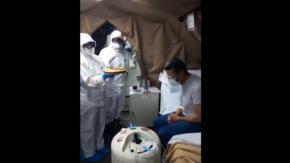 A Picenza i medici portano una torta al paziente malato di Covid-19: il video commovente