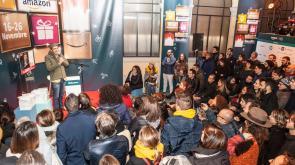 A Milano tutti pazzi per l'Amazon Loft for Xmas e stasera appuntamento con Elisa!