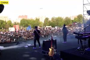 A Wuhan in Cina in 11.000 ad un concerto senza mascherine o distanziamento