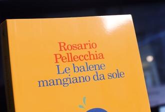 """Rosario Pellecchia ci presenta """"Le balene mangiano da sole"""""""