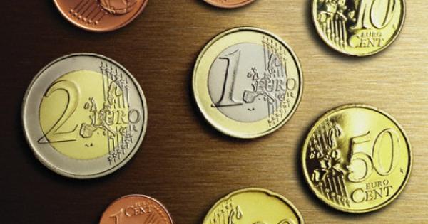 Perché la moneta da 5 cent è più grande di quella da 10?