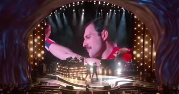 Oscar, i Queen e Adam Lambert aprono la serata in grande stile