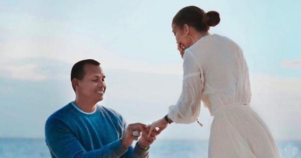 Jennifer Lopez: la proposta di matrimonio è una perfetta scena da film