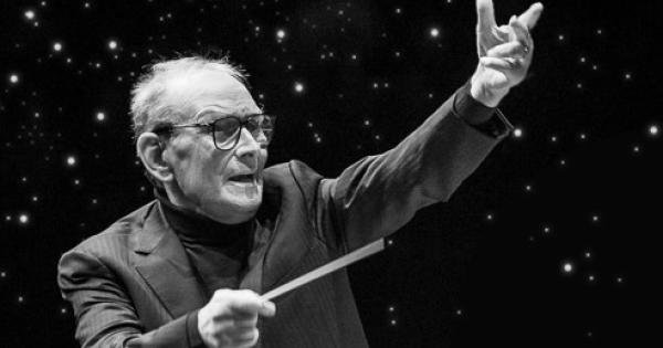 Addio a Ennio Morricone, il maestro è morto a 93 anni