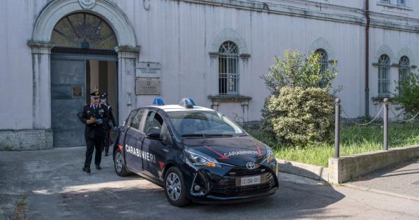 Ragazza segregata in casa manda richiesta di aiuto durante la DAD e viene salvata dai carabinieri