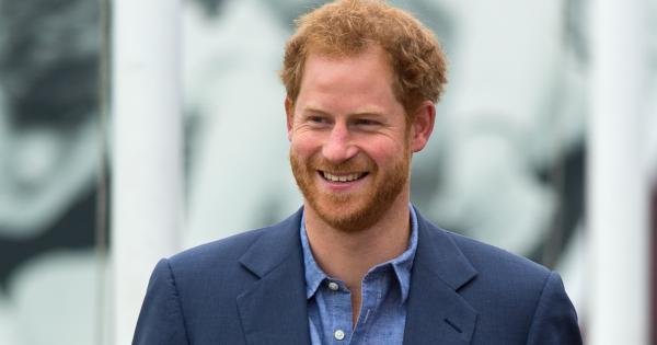 Il principe Harry avrebbe cambiato look: ora ha capelli lunghi e codino