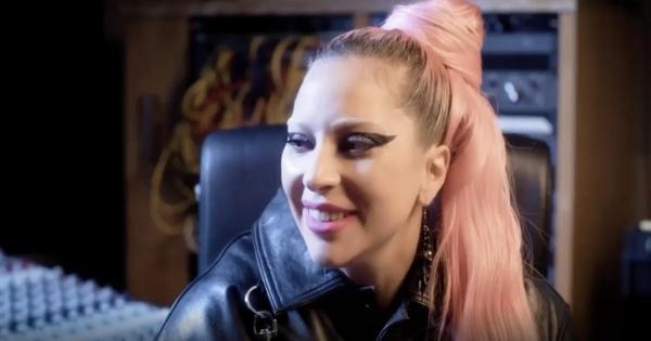 """Lady Gaga parla all'Italia tramite Tiziano Ferro: """"Ho parenti in Sicilia, siete nelle mie preghiere"""""""