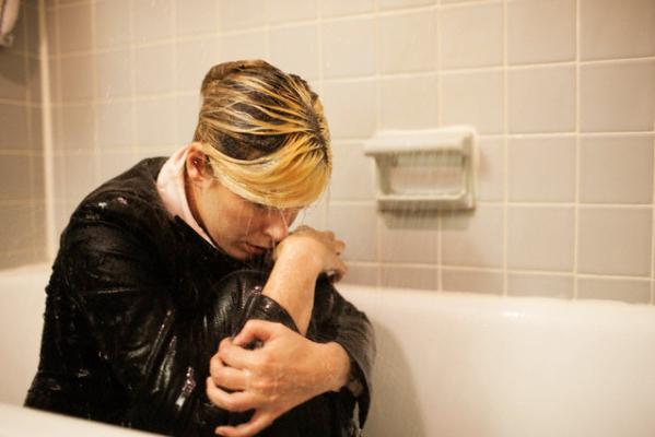 10 problemi che solo chi ha sempre freddo pu capire for Bocca mani piedi si puo fare il bagno