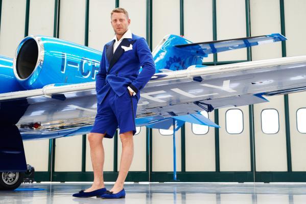 Jet Privato Lapo Elkann : Il nuovo jet speciale di lapo elkann foto radio