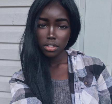 ecco a voi la nuova barbie nera la ragazza che sta