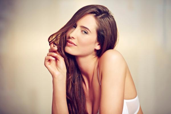 Ecco 6 ragioni per scegliere una donna alfa foto 1 di 6 radio 105 - Sesso in camera da letto ...